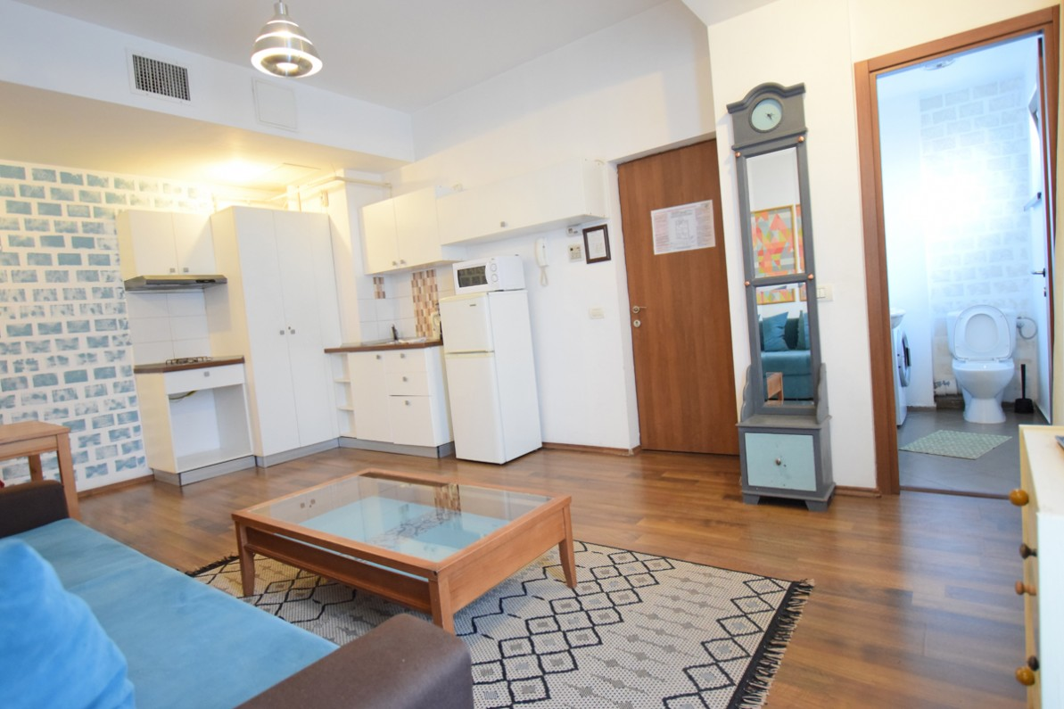 Short time accommodation studio apartment